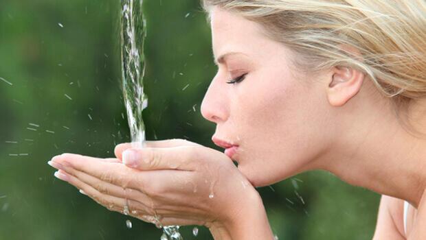 Πίνεις αρκετό νερό;